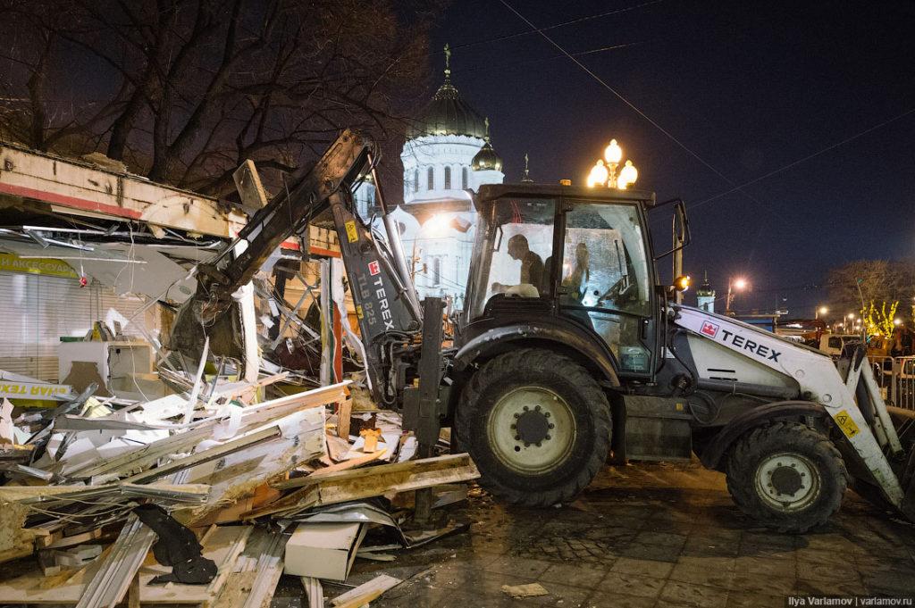 погром торговых павильонов и ларьков в Москве